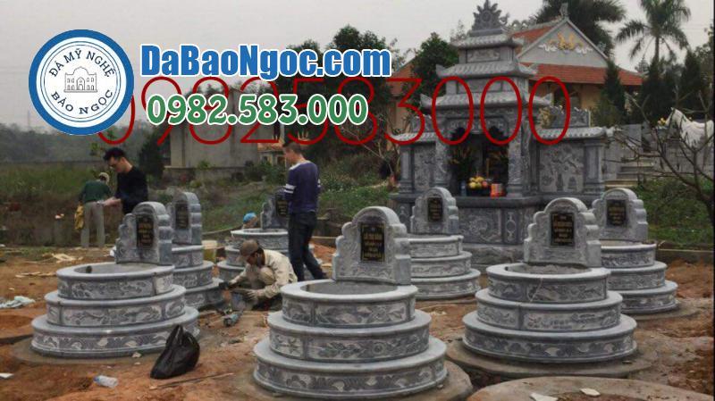 Khu lăng mộ đá với mộ tròn