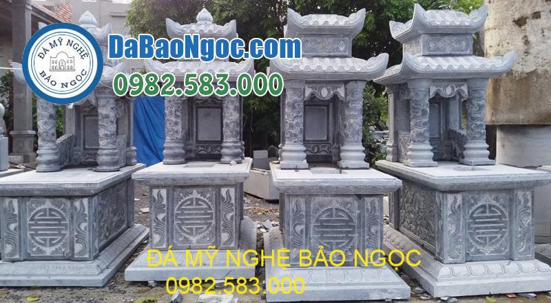 Mẫu mộ đá hai mái được làm bằng đá xanh nguyên khối
