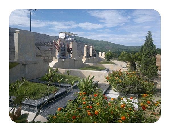 Khu mộ được ví von ' nhà liền kề' có giá vài chục triệu đồng