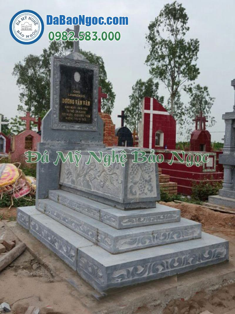 mộ đá công giáo tại Thái Bình