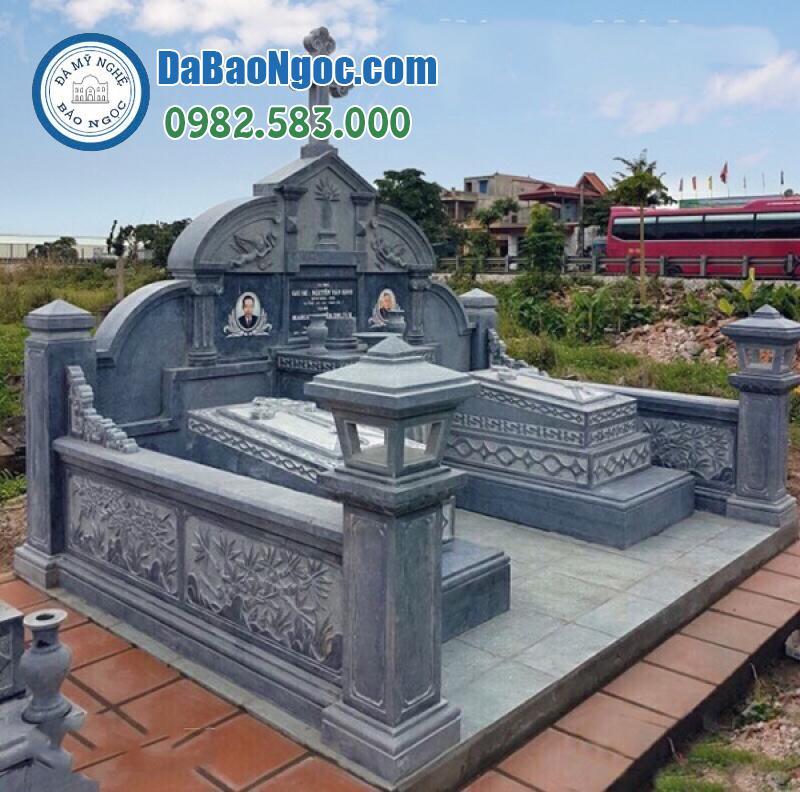 Khu lăng mộ bằng đá cho cặp vợ chồng công giáo