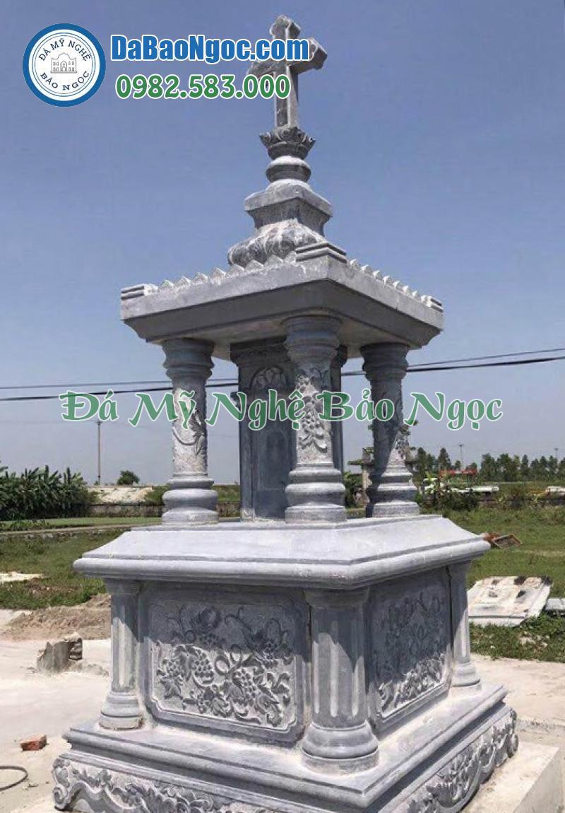 mộ đá công giáo hình tháp