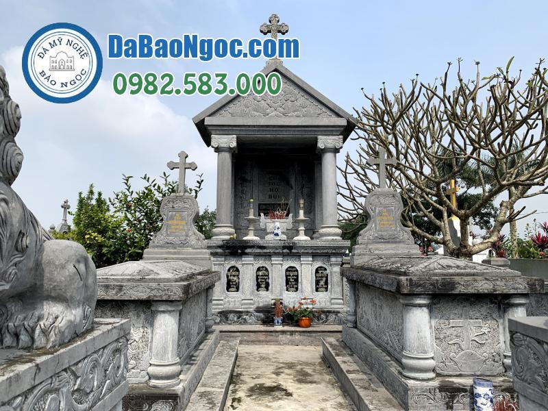 Khu mộ đá công giáo của gia đình